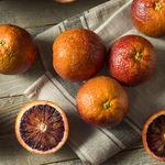 Naranja sanguina: propiedades y usos en cocina de este exquisito cítrico de temporada (y cinco recetas para que brille)