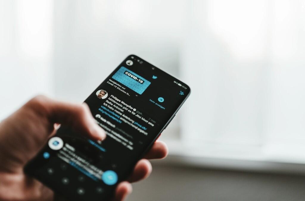 Llegan los votos a Twitter: permite dar positivos o negativos a tweets para entender mejor qué es relevante y qué no