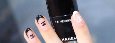 The logomania become a trend in manicures: the 41 samples of the fever