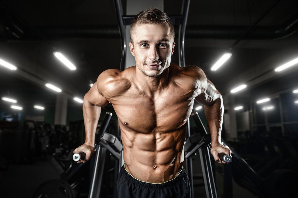 Los errores más comunes en el entrenamiento de hombros en el gimnasio y cómo ponerles solución