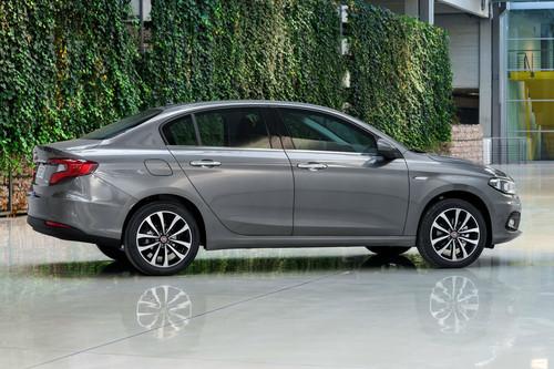 Los autos que las marcas no venden en su país de origen