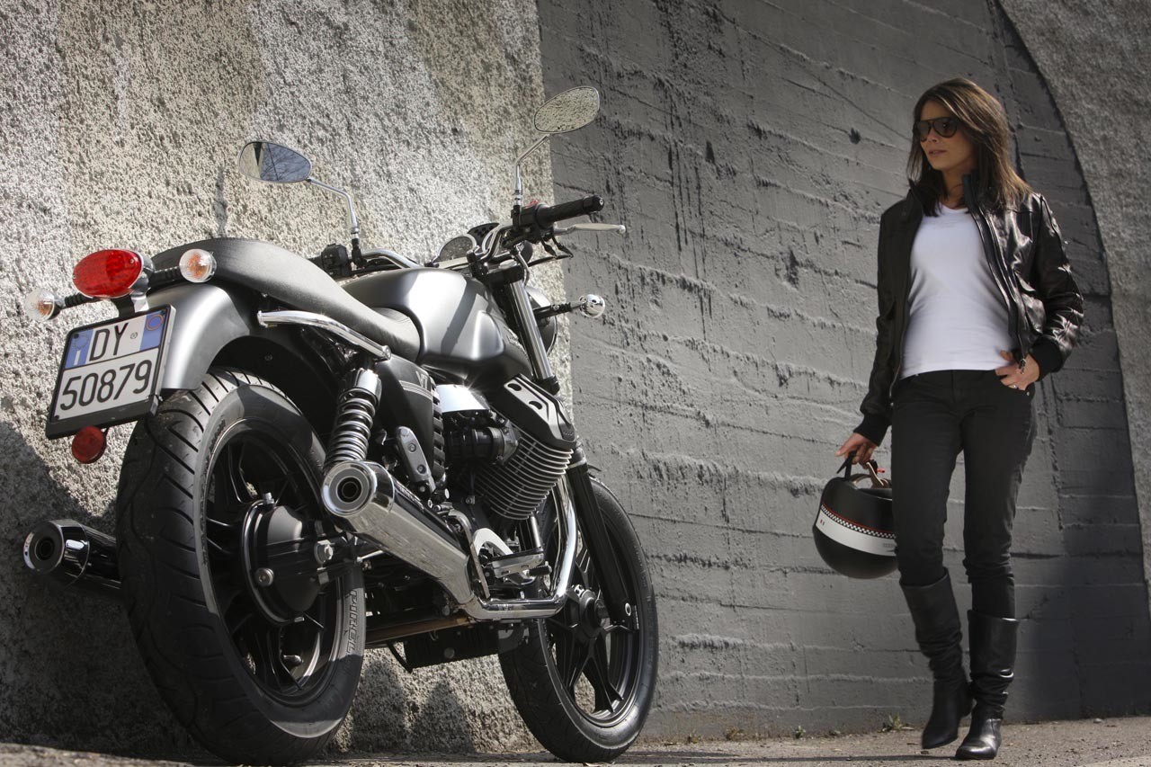 Foto de Moto Guzzi V7 Stone (47/57)