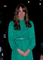 Kate Middleton estrena un look muy setentero