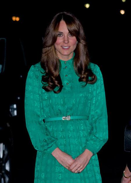 Kate Middleton estrena un look muy setentero