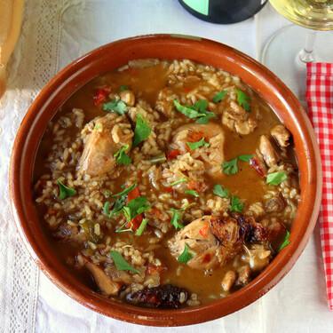 Arroz caldoso con pato, la receta cortijera tradicional  de la las marismas sevillanas