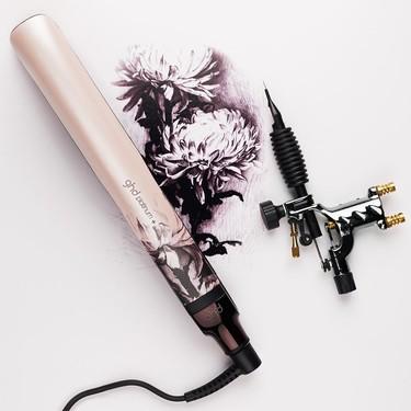 La nueva plancha de pelo de ghd en colaboración con el tatuador David Allen es de lo más bonito (y emotivo) que verás