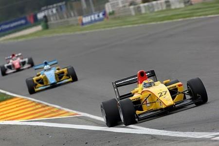 f2_german_sanchez_cheste_race2.jpg