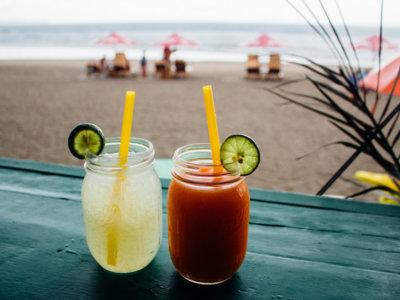 ¿Adiós a los cócteles en Bali? Indonesia plantea prohibir las bebidas alcohólicas