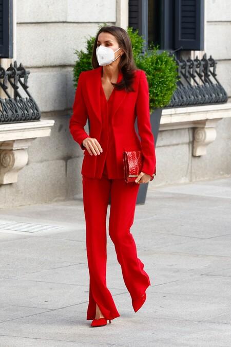 Reina Letizia Traje Rojo 6