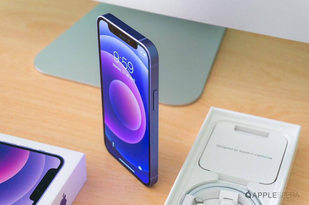 iPhone doce mini en color púrpura, así es en imágenes