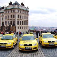 La carrera del verano: un taxista intenta cobrar 480 euros por una carrera de 25 en Praga