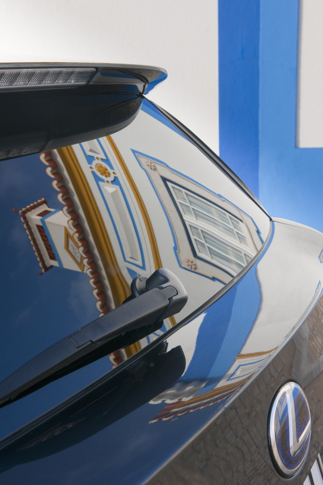 Foto de Lexus CT 200h (17/164)
