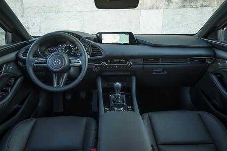 Mazda3 skyactiv-g prueba interior
