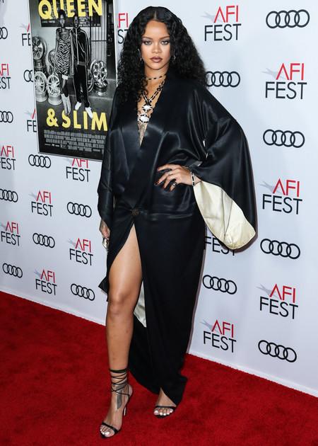 Rihanna Manicura2