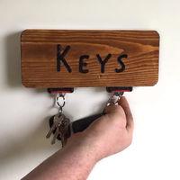 ¿Harto de perder las llaves del coche? Alucina con este llavero hecho con restos de un cinturón de seguridad