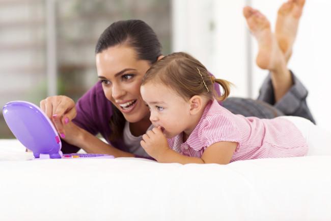 Mucho ruido y pocas palabras: los juguetes electrónicos limitan el empleo del lenguaje