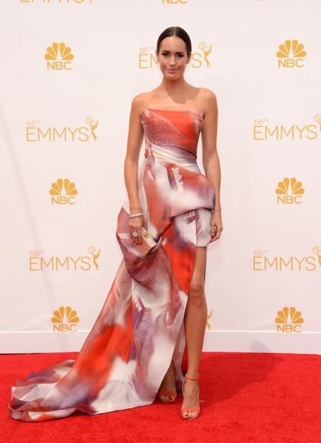 Louise Roe y su Monique Lhullier en los #Emmys2014