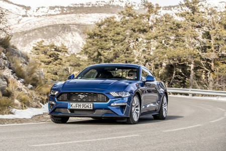 Comparativa Ford Mustang vs BMW Serie 4