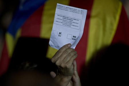 Si quieres votar hoy en Cataluña, éstas son las mesas... y éstas pueden ser las consecuencias