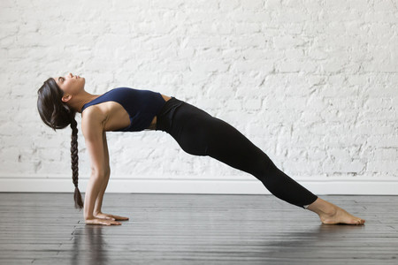 yoga-tabla-invertida-plank-abdomen
