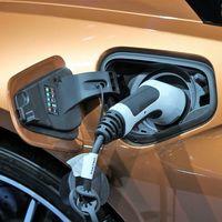 Coches híbridos, híbridos enchufables y eléctricos: mantenimiento durante la cuarentena