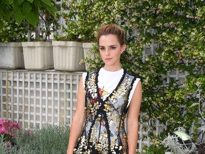 Emma Watson nos enamora con un look soberbio en París