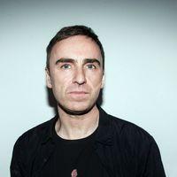 De última hora: Calvin Klein confirma la salida de Raf Simons como director creativo