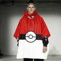 El furor de Pokémon llega a la moda con el desfile de Bobbly Abley en Londres