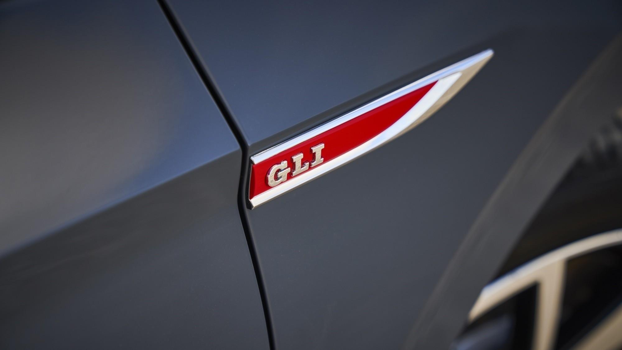 Foto de Volkswagen Jetta GLI 2020 (20/27)