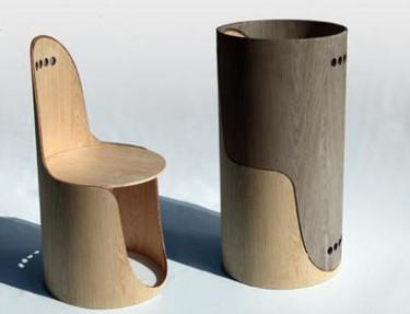 Dos sillas, un cilindro