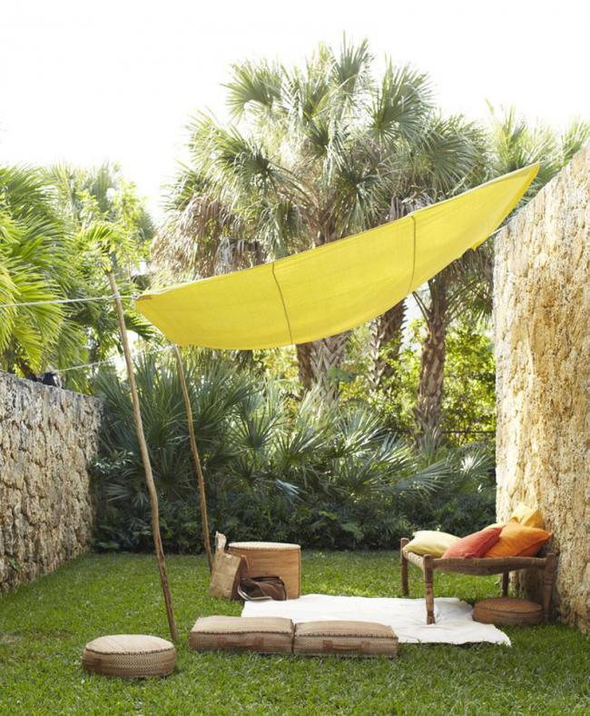 Cinco hermosas soluciones para proteger tu terraza del sol - Como hacer un toldo casero ...