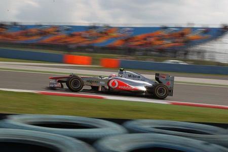 Jenson Button y Nico Rosberg lideran la tabla de tiempos de los libres del Gran Premio de Turquía