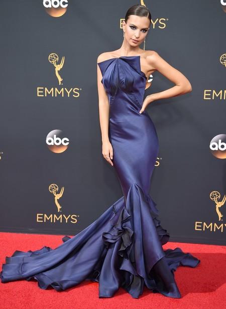 Emily Ratajkowski Emmys 2016 zac posen