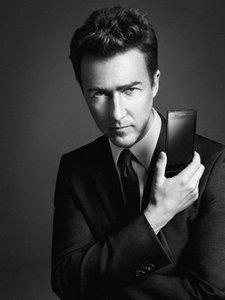 Prada y LG nos traen un nuevo móvil: el lujo también para nuestros teléfonos