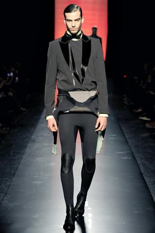 Foto de Jean Paul Gaultier Otoño-Invierno 2011/2012 en la Semana de la Moda de Paris (12/40)
