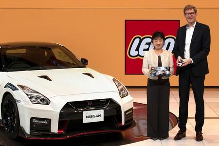Lego Nissan Gt R Nismo 15