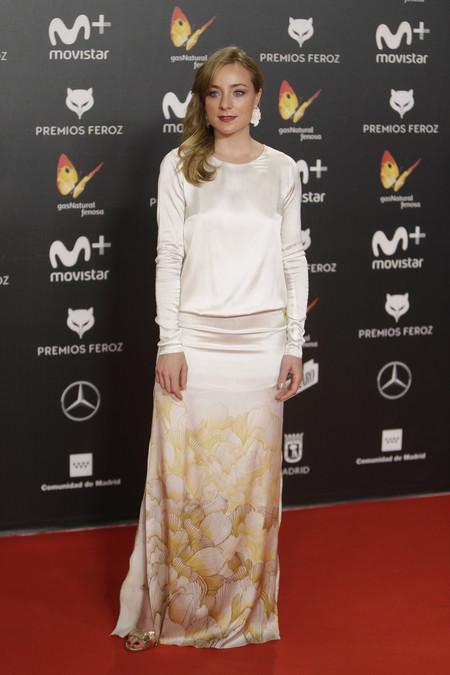 premios feroz alfombra roja look estilismo outfit Angela Cremonte