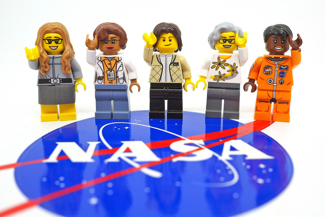 Lego Nasa Women 17