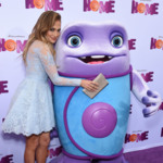 Jennifer Lopez presume de hijos en la alfombra roja