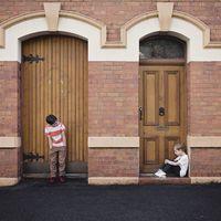 Peleas entre hermanos: cuándo y cómo deberíamos intervenir los padres