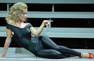 """Impresionante Edurne en el musical """"Grease"""""""