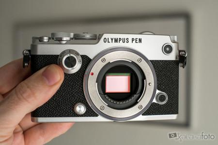 Olympus Pen F 7658