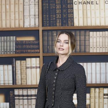 Margot Robbie, Marion Cotillard y muchas otras celebrities nos inspiran con sus looks en el front-row de Chanel