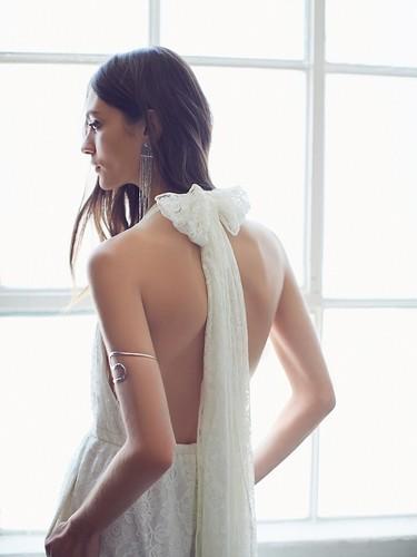 Los vestidos de novia boho más bonitos los tiene Free People (palabrita)