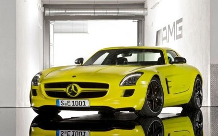 Mercedes-Benz SLS AMG E-Cell 04