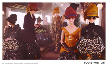 Louis Vuitton sigue en su tren con Steven Meisel