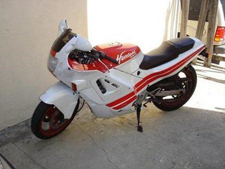 Honda_CBR_600_F_Hurricane_1987