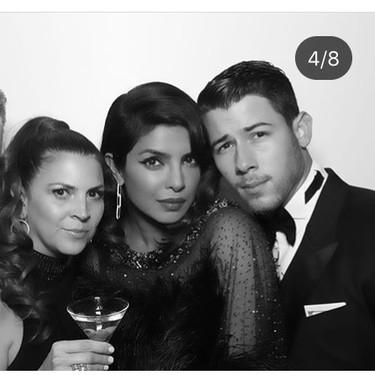 Los looks de Sophie Turner y Priyanka Chopra a lo chica Bond en el cumpleaños de Joe Jonas