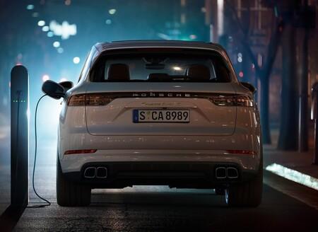 Porsche Cayenne EV podría estar listo en 2024 y tener el mismo tren motriz eléctrico que Taycan