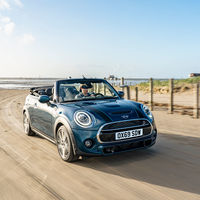 El MINI Convertible Sidewalk se viste como uno de los descapotables más exclusivos de la marca